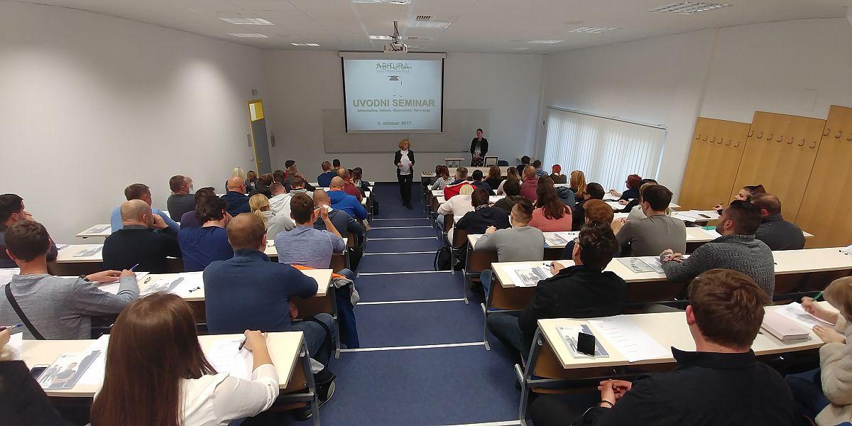 V ponedeljek, 9. oktobra 2017, smo na Abituri, višji strokovni šoli sprejeli novo generacijo študentov